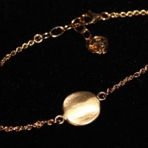 Luna armbånd designet og produsert av Merete Mattson