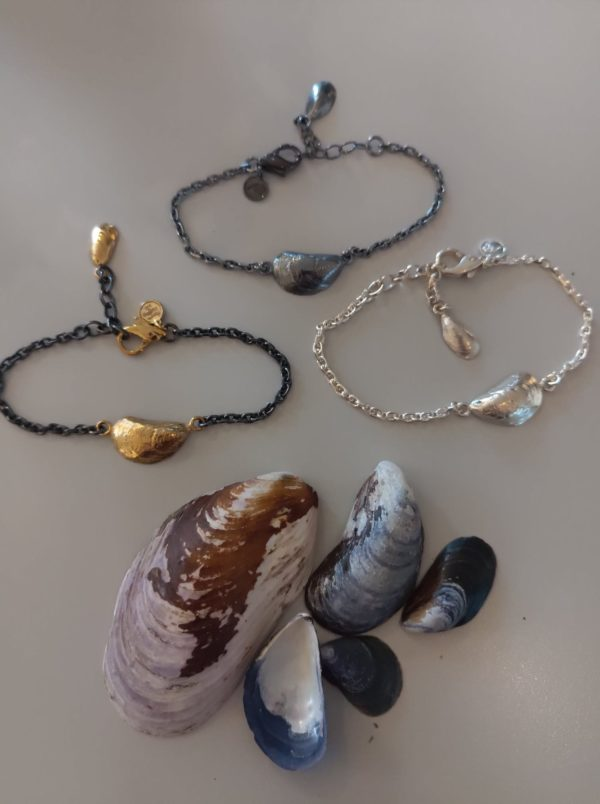 Mussels-bracelets